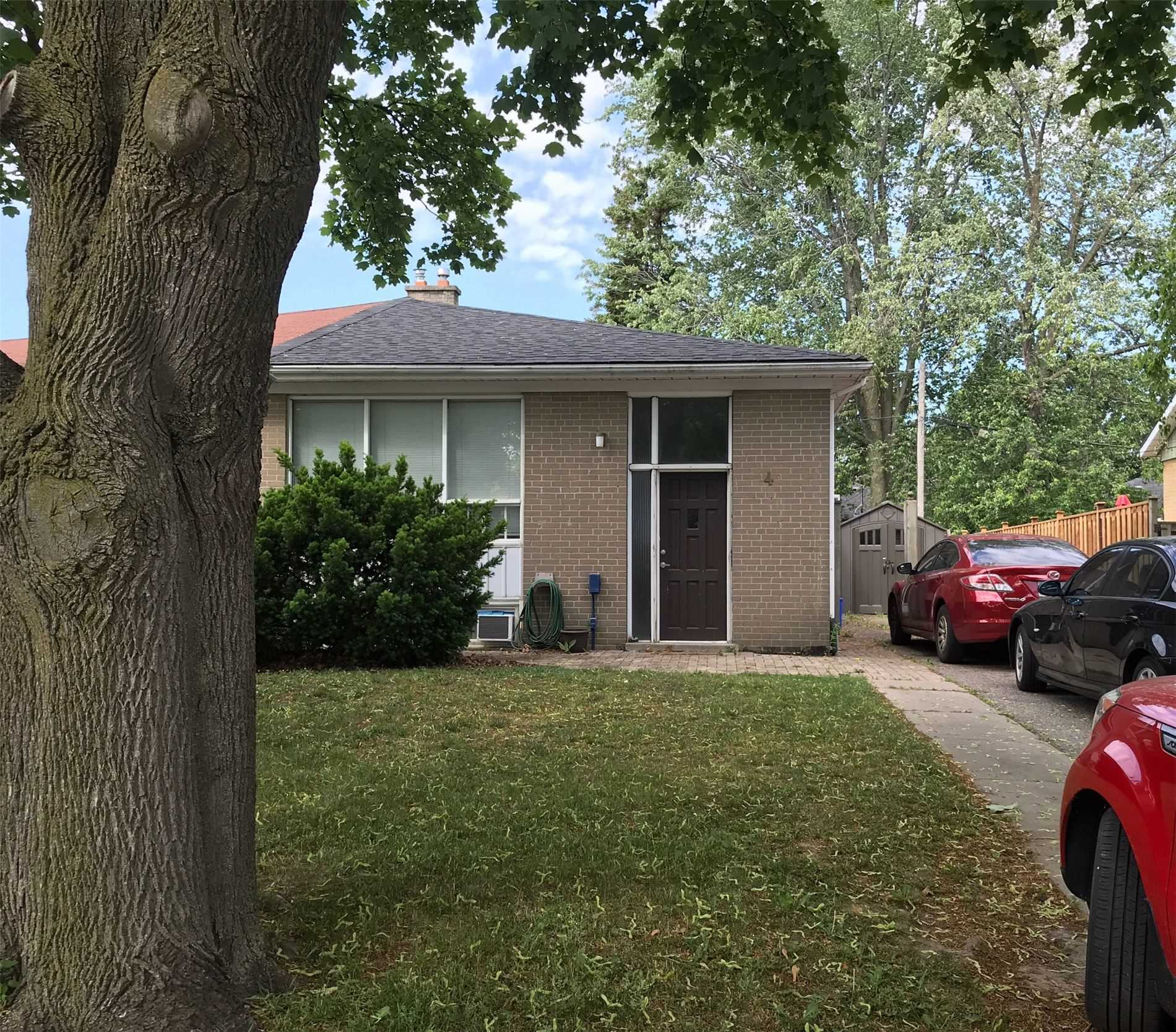 4 Thorncroft Cres, Ajax, Ontario L1S2S2, 3 Bedrooms Bedrooms, ,2 BathroomsBathrooms,Semi-detached,For Sale,Thorncroft,E5273606