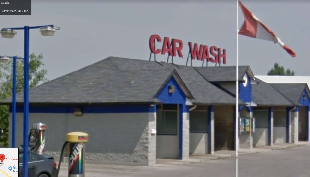 2 Iroquois Tr, Grimsby, Ontario L3M5E7, ,Commercial/Retail,For Sale,Iroquois,X4646332