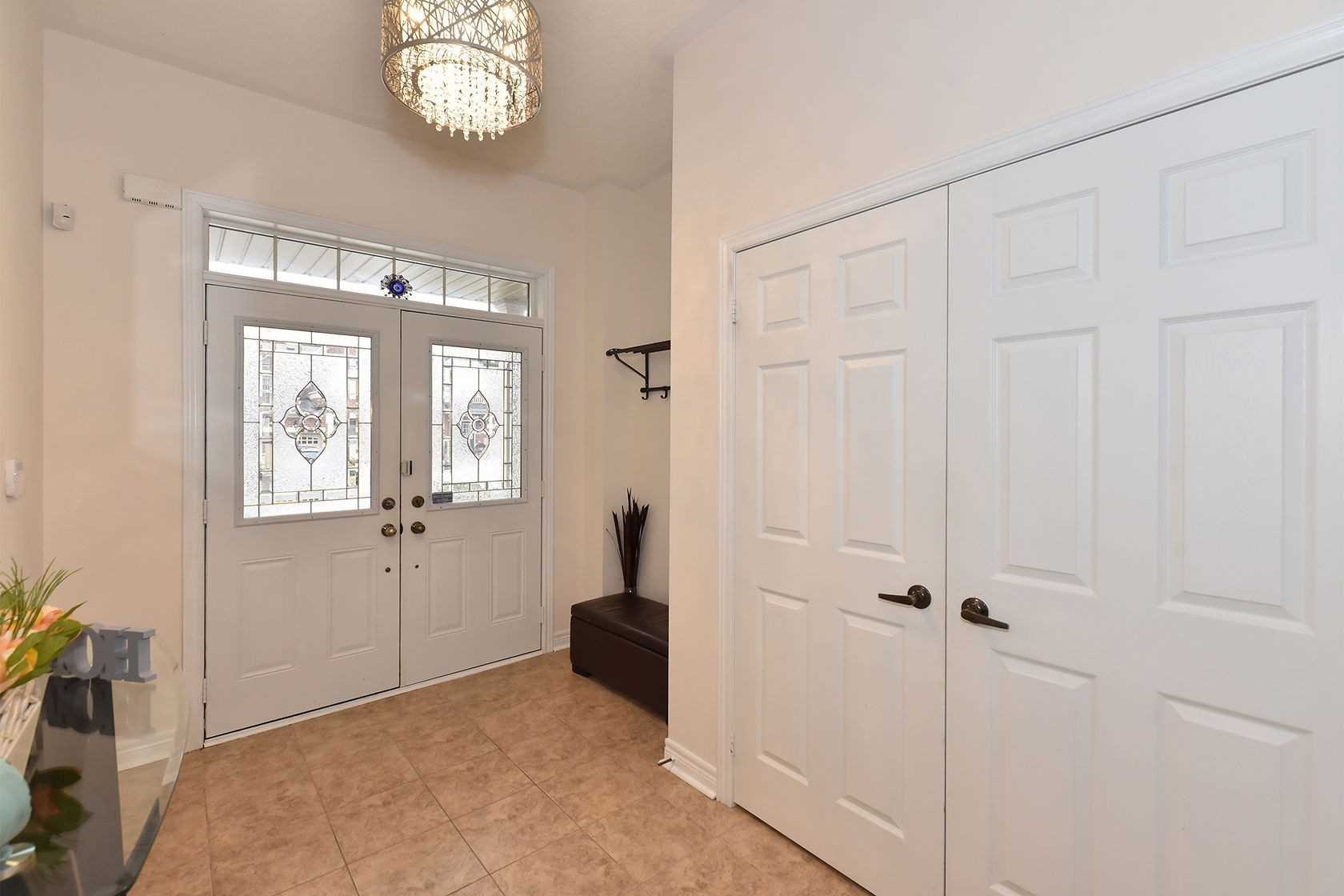 32 White Spruce Cres, Vaughan, Ontario M6A4C5, 4 Bedrooms Bedrooms, ,5 BathroomsBathrooms,Semi-Detached,For Sale,White Spruce,N4944916
