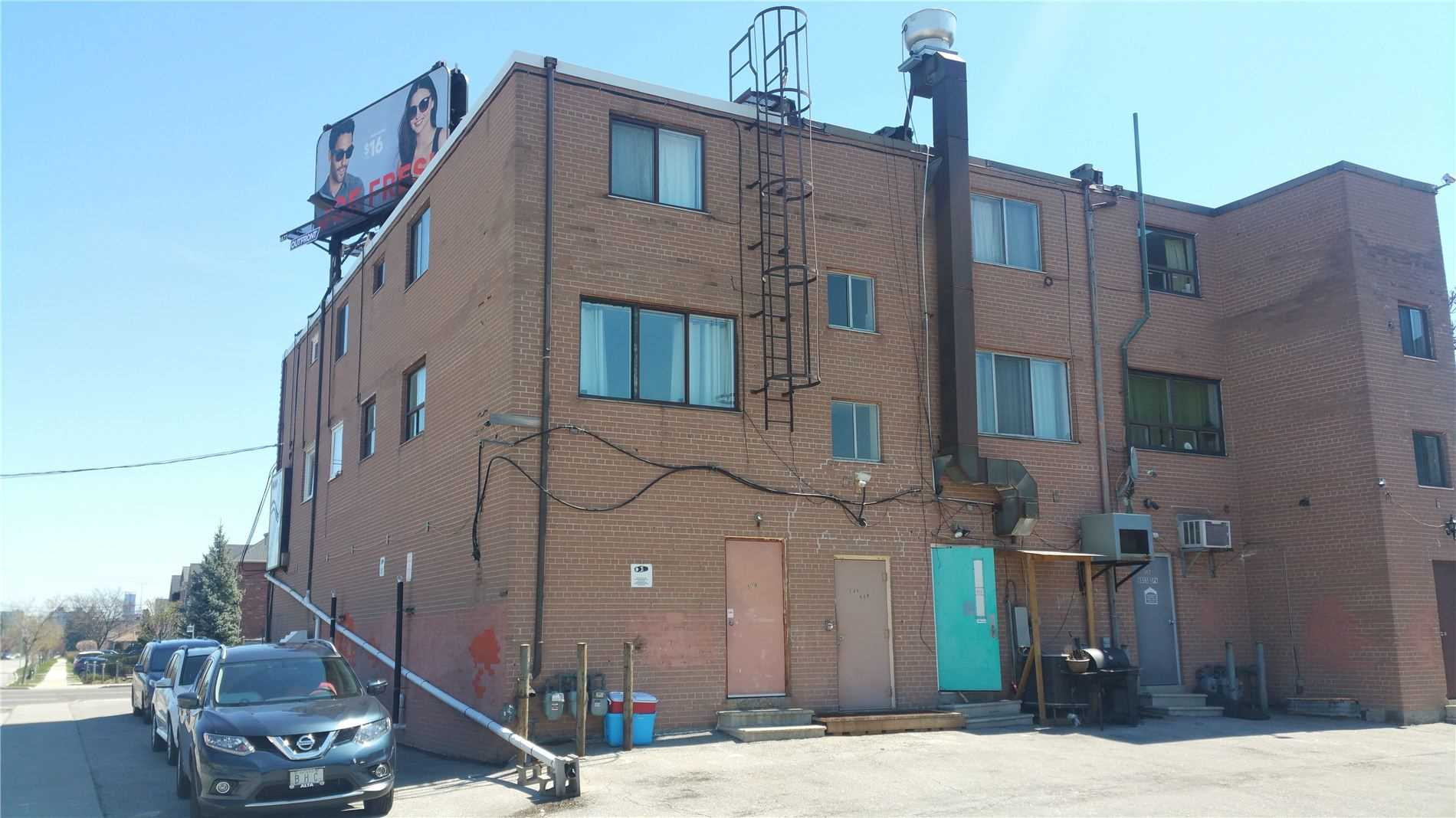 Store W/apt/office For Sale In Toronto , ,Store W/apt/office,For Sale,Wilson Heights