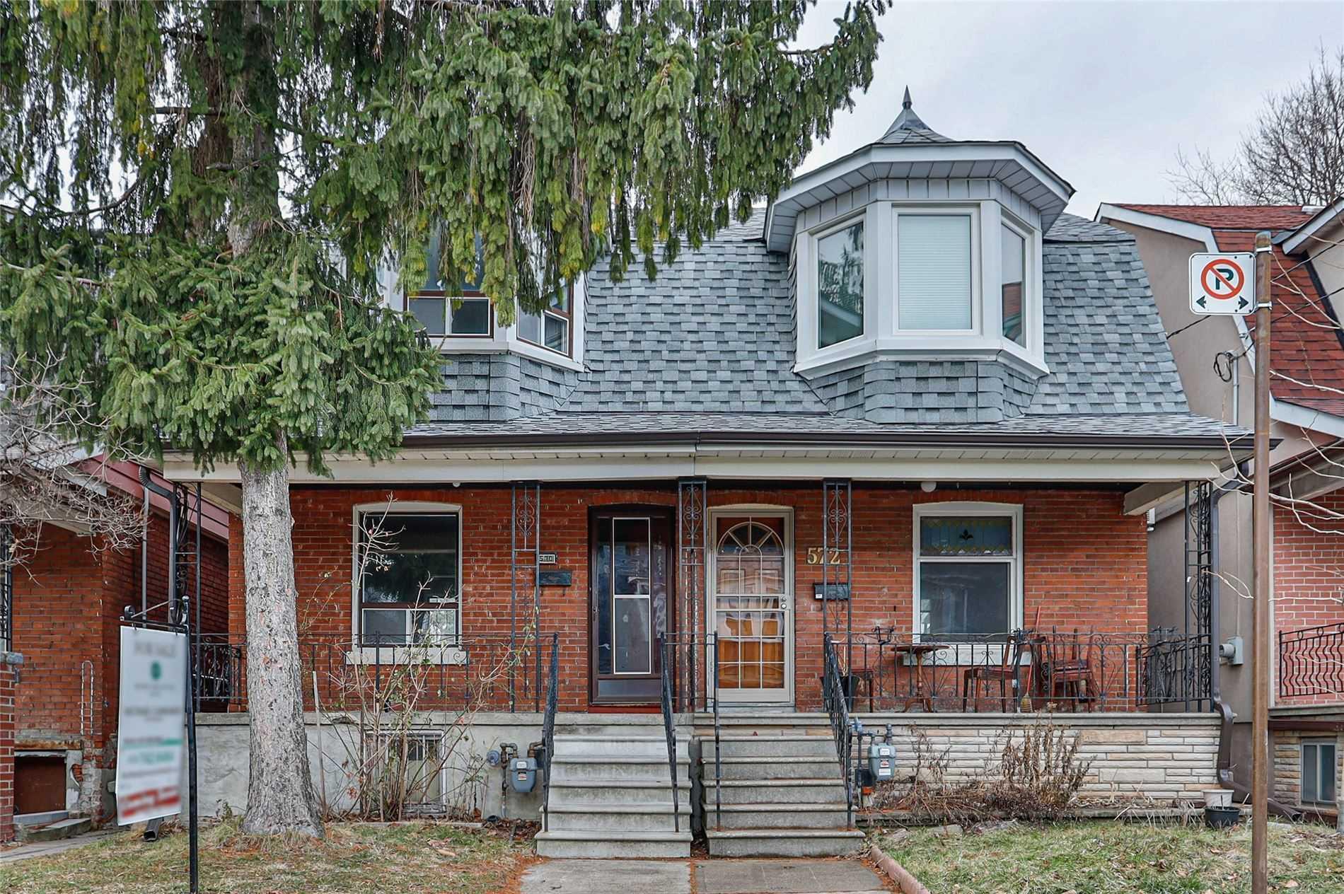 570 Clinton St, Toronto, Ontario M6G 2Z6, 3 Bedrooms Bedrooms, 8 Rooms Rooms,2 BathroomsBathrooms,Semi-detached,For Sale,Clinton,C5088036
