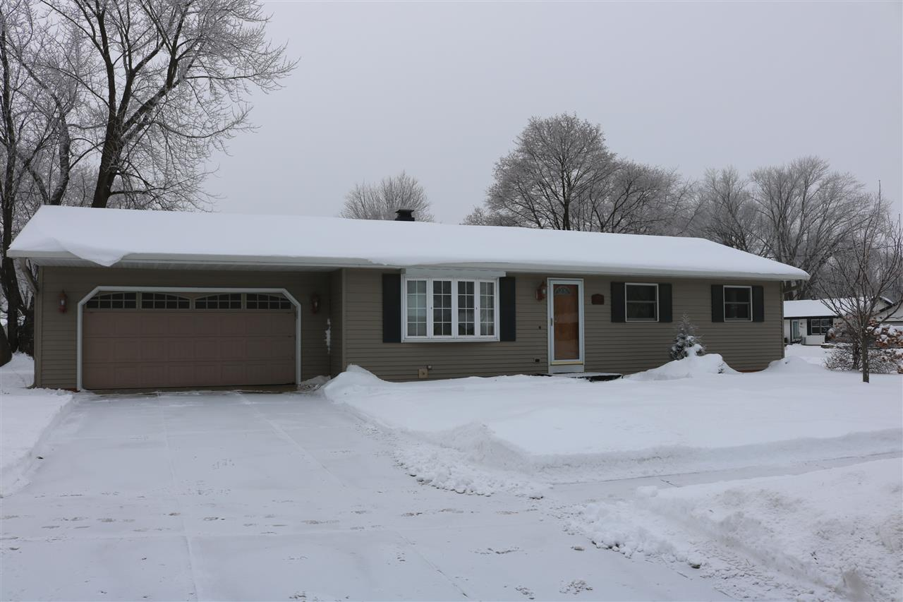 1504 Holiday Dr, Janesville, Wisconsin 53545, 3 Bedrooms Bedrooms, ,Rental,For Rent,Holiday Dr,1899960
