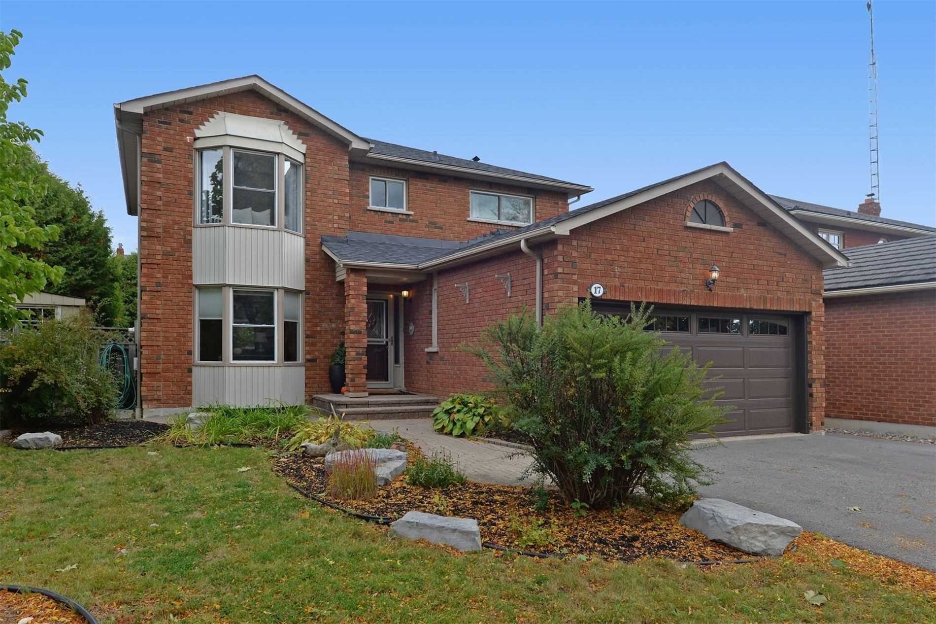 17 Stafford Cres, Whitby, Ontario L1N8T4, 4 Bedrooms Bedrooms, 8 Rooms Rooms,3 BathroomsBathrooms,Detached,For Sale,Stafford,E4946321