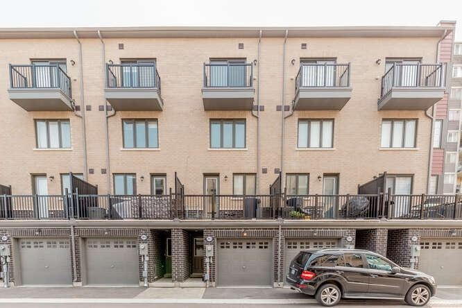 389 The Westway, Toronto, Ontario M9R1H3, 4 Bedrooms Bedrooms, 9 Rooms Rooms,2 BathroomsBathrooms,Att/row/twnhouse,For Sale,The Westway,W4916888
