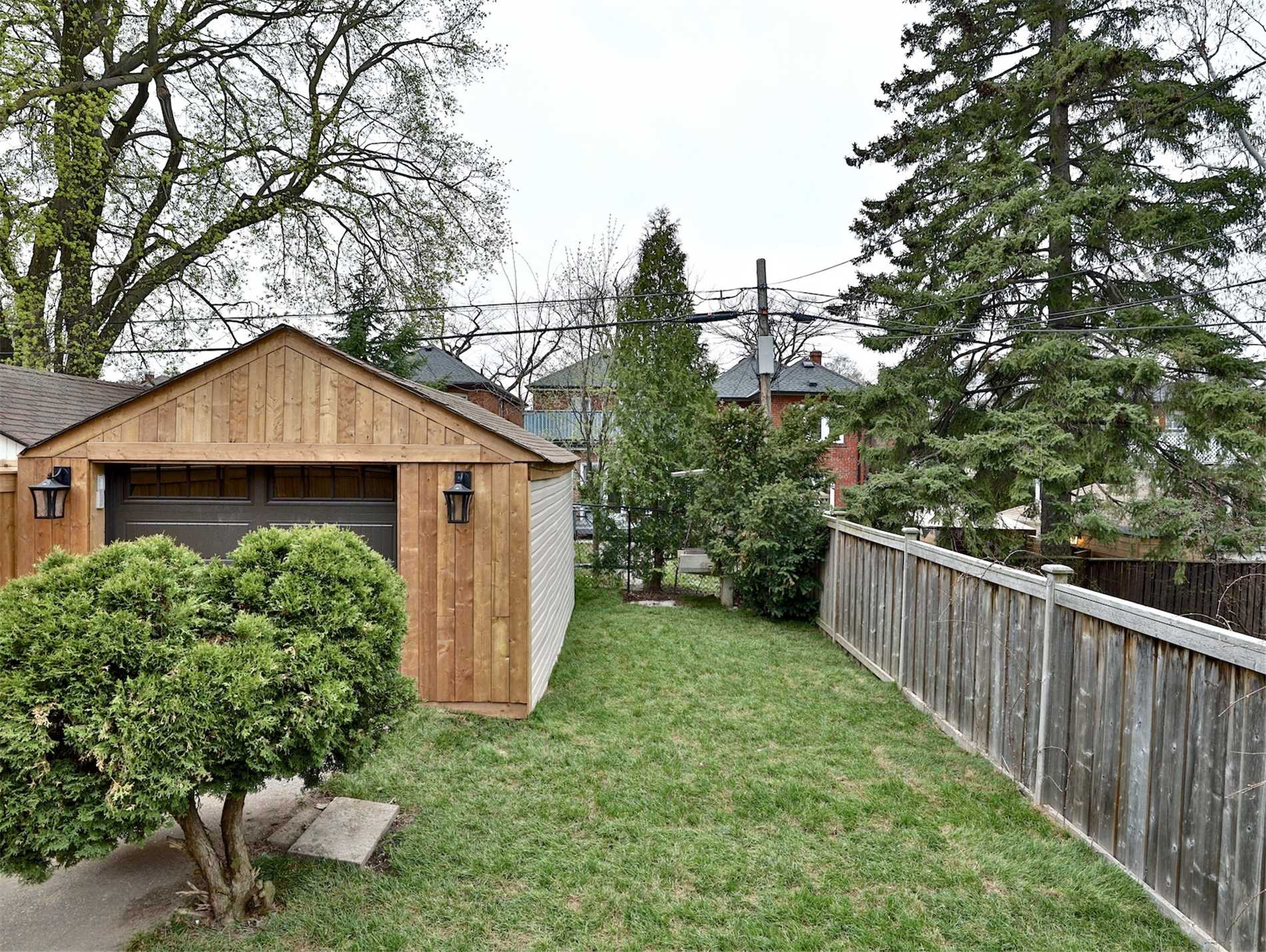 52 Shields Ave, Toronto, Ontario M5N2K4, 4 Bedrooms Bedrooms, ,5 BathroomsBathrooms,Detached,Shields,C4600924