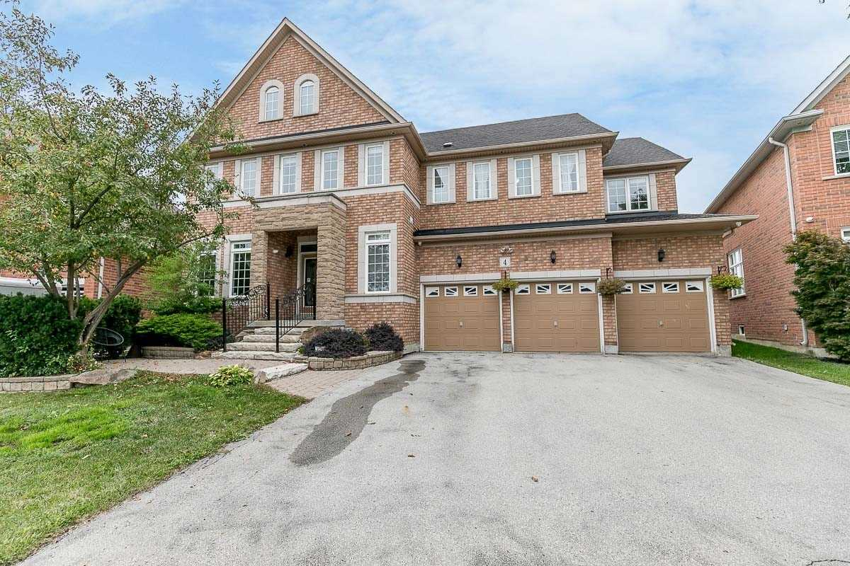 4 Bridgend Cres, Brampton, Ontario L6P1K8, 5 Bedrooms Bedrooms, ,6 BathroomsBathrooms,Detached,For Sale,Bridgend,W4911255