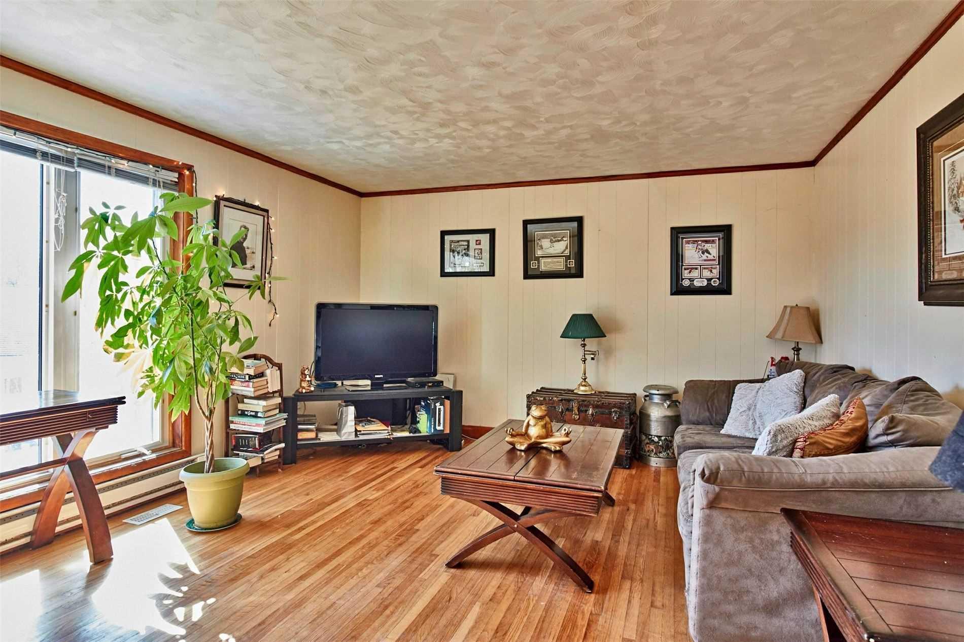103 Toronto St, Uxbridge, Ontario L9P1H4, 5 Bedrooms Bedrooms, ,2 BathroomsBathrooms,Detached,For Sale,Toronto,N5173260