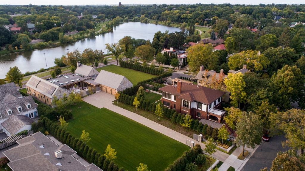 2505 Lake Of The Isles Parkway, Minneapolis, Minnesota 55405, 5 Bedrooms Bedrooms, ,Residential,For Sale,Lake Of The Isles,NST5562997