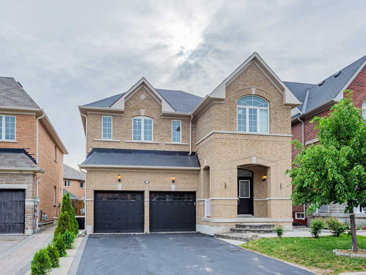 207 Lageer Dr, Whitchurch-Stouffville, Ontario L4Xa0X1, 4 Bedrooms Bedrooms, ,5 BathroomsBathrooms,Detached,For Sale,Lageer,N5272922