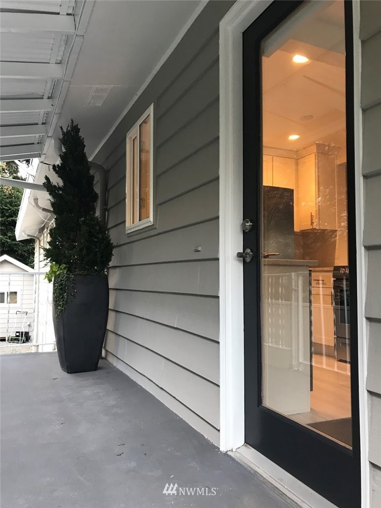 5900 8th Avenue, Seattle, Washington 98107, ,Residential Income,For Sale,8th,NWM1780334