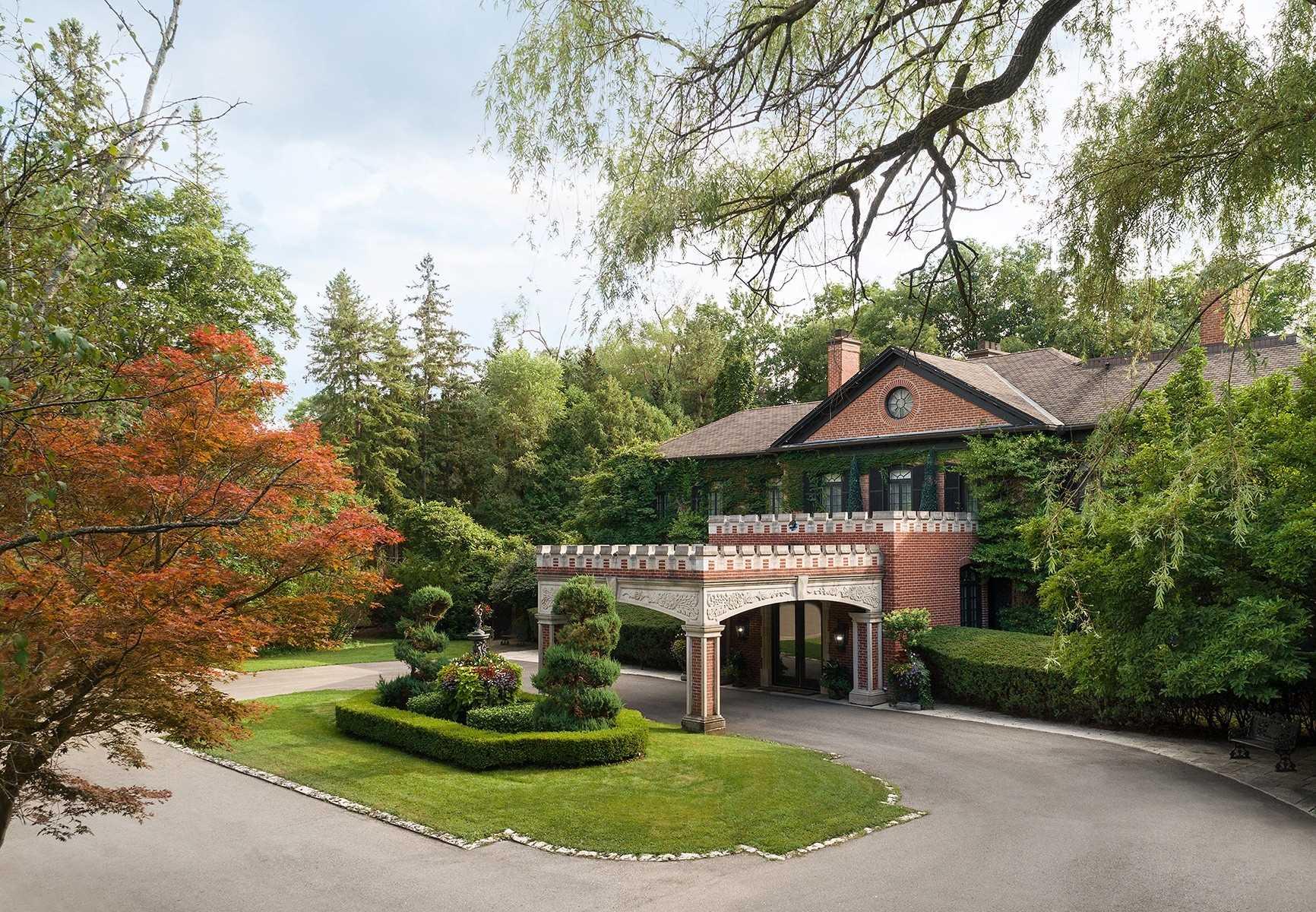 42 Park Lane Circ, Toronto, Ontario M3C2N2, 8 Bedrooms Bedrooms, 18 Rooms Rooms,10 BathroomsBathrooms,Detached,For Sale,Park Lane,C4901609