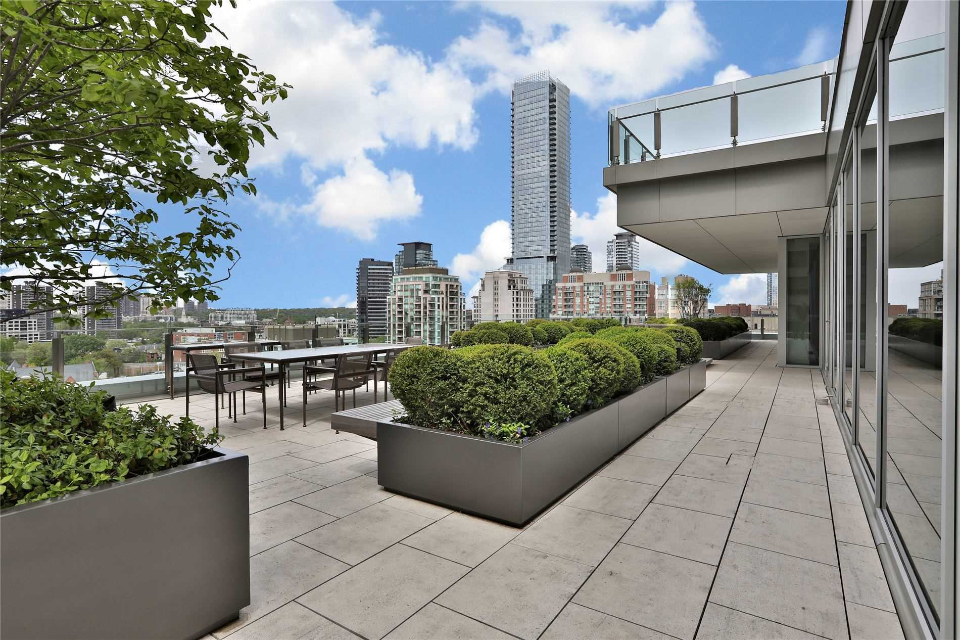 155 Cumberland St, Toronto, Ontario M5R1A2, 3 Bedrooms Bedrooms, 10 Rooms Rooms,3 BathroomsBathrooms,Condo Apt,For Sale,Cumberland,C4777900