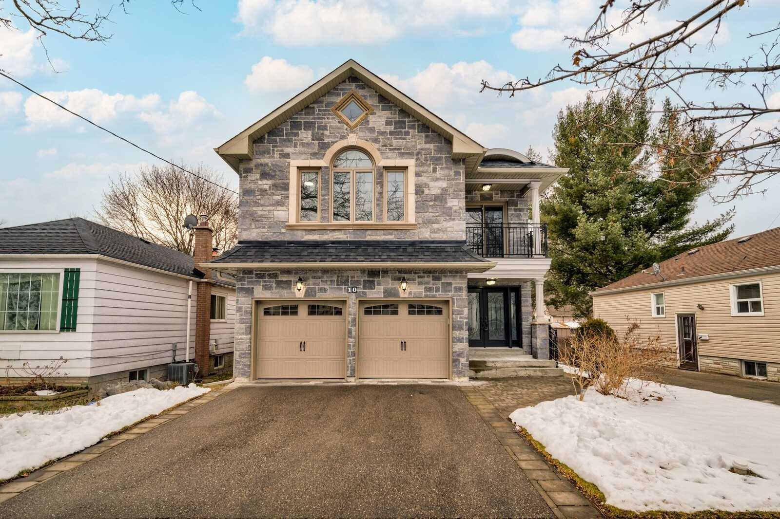 10 Westbourne Ave, Toronto, Ontario M1L2X9, 4 Bedrooms Bedrooms, 11 Rooms Rooms,5 BathroomsBathrooms,Detached,For Sale,Westbourne,E5085166
