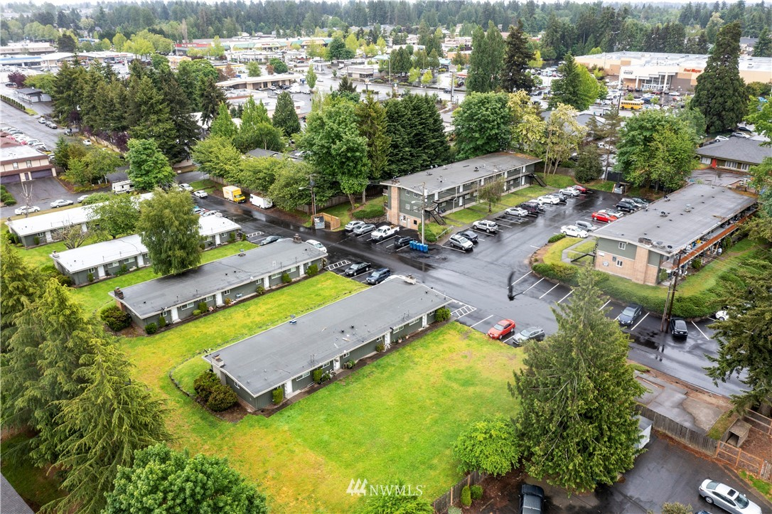 23816 100th Avenue, Kent, Washington 98031, ,Residential Income,For Sale,100th,NWM1787759