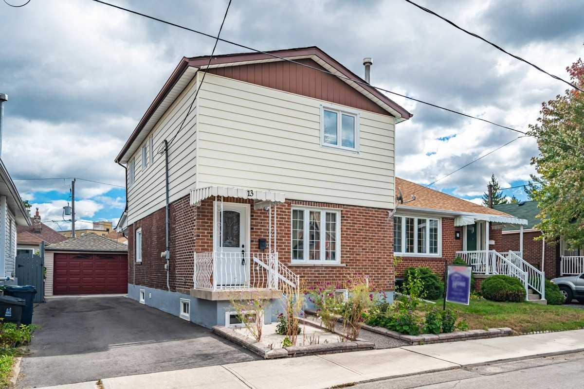 13 Birch Tree Cres, Toronto, Ontario M6M2K7, 3 Bedrooms Bedrooms, 6 Rooms Rooms,3 BathroomsBathrooms,Detached,For Sale,Birch Tree,W4948855