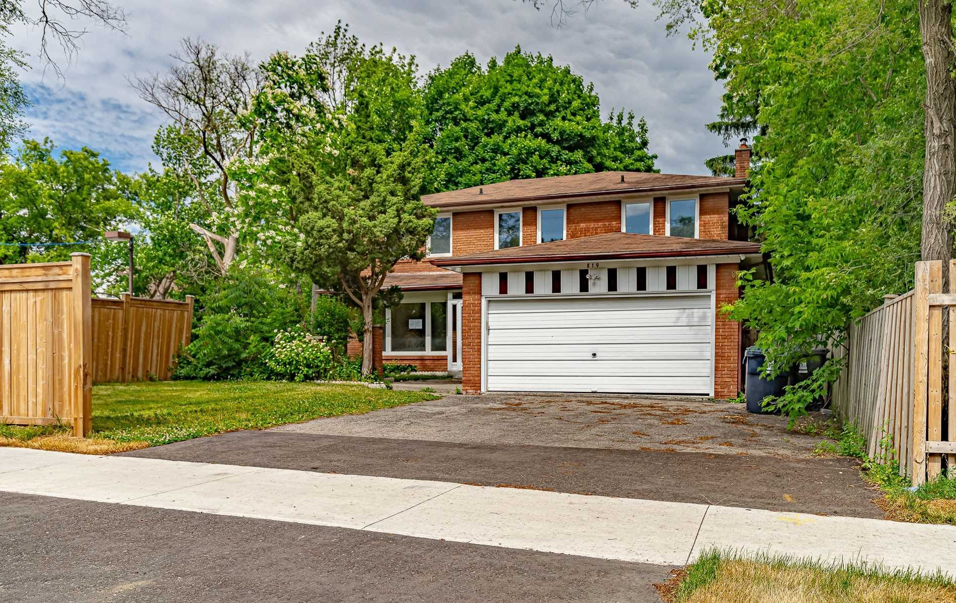 819 Willowdale Ave, Toronto, Ontario M2N5B7, 4 Bedrooms Bedrooms, 8 Rooms Rooms,4 BathroomsBathrooms,Detached,For Sale,Willowdale,C4806918