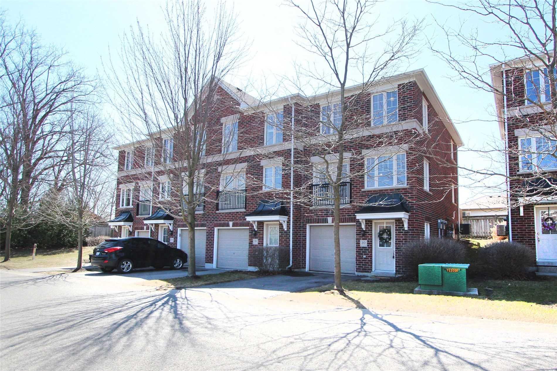 571 Longworth Ave, Clarington, Ontario L1C0H3, 3 Bedrooms Bedrooms, ,2 BathroomsBathrooms,Condo Townhouse,For Sale,Longworth,E5184811