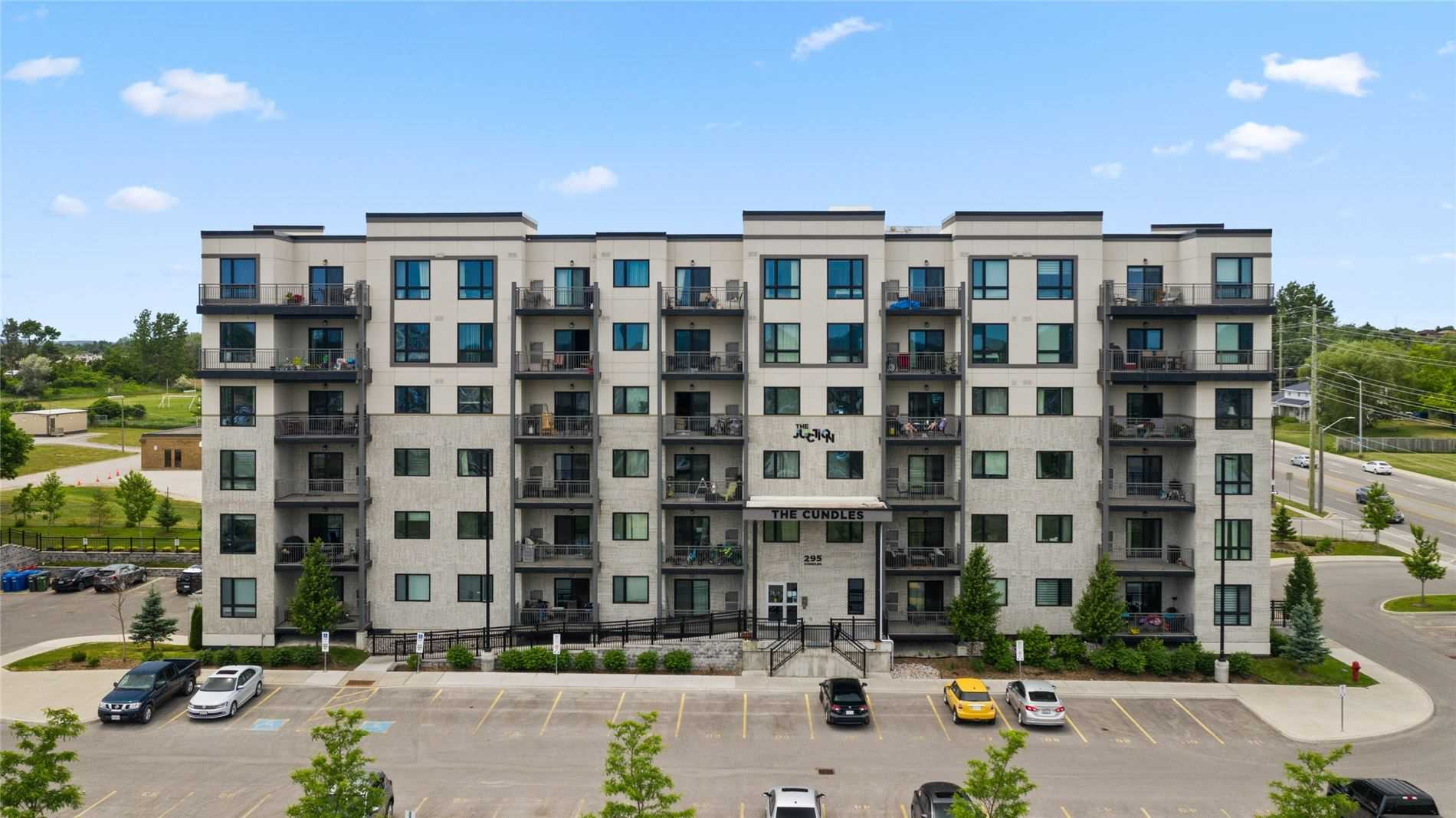 295 Cundles Rd, Barrie, Ontario L4M 0K8, 2 Bedrooms Bedrooms, ,2 BathroomsBathrooms,Condo Apt,For Sale,Cundles,S5273053