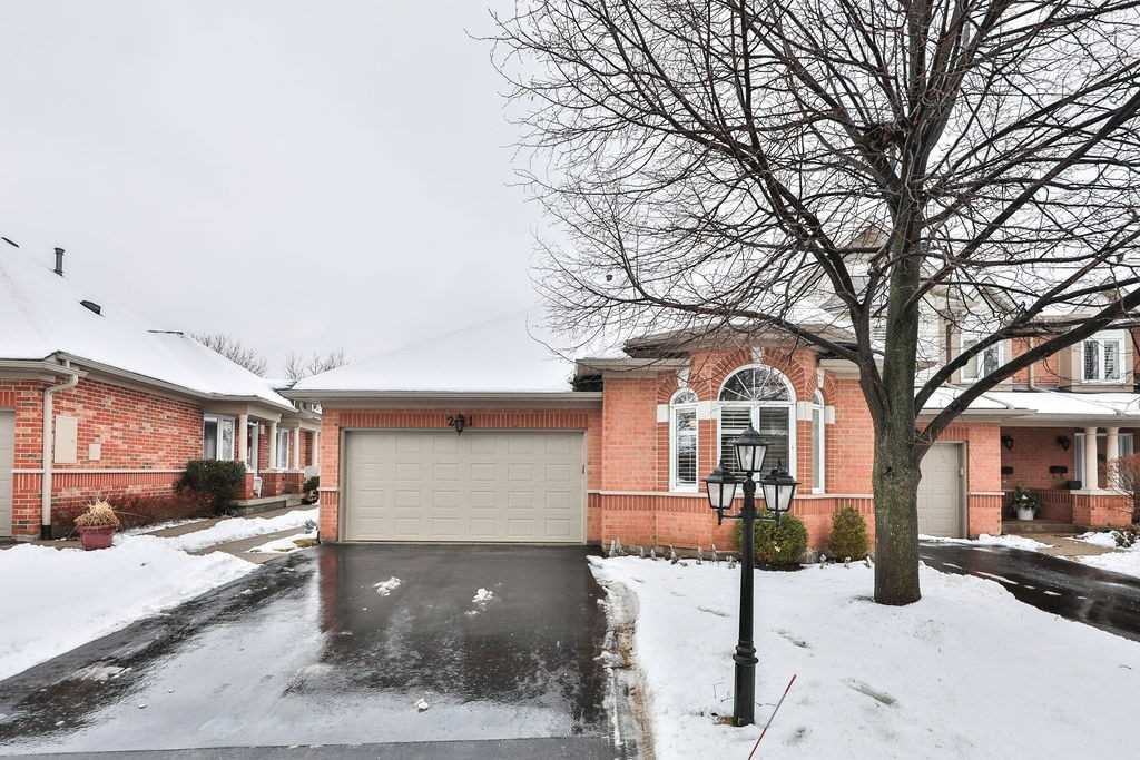 2165 Country Club Dr, Burlington, L7M4H4, 2 Bedrooms Bedrooms, ,2 BathroomsBathrooms,Condo Townhouse,For Sale,Country Club,W4695445
