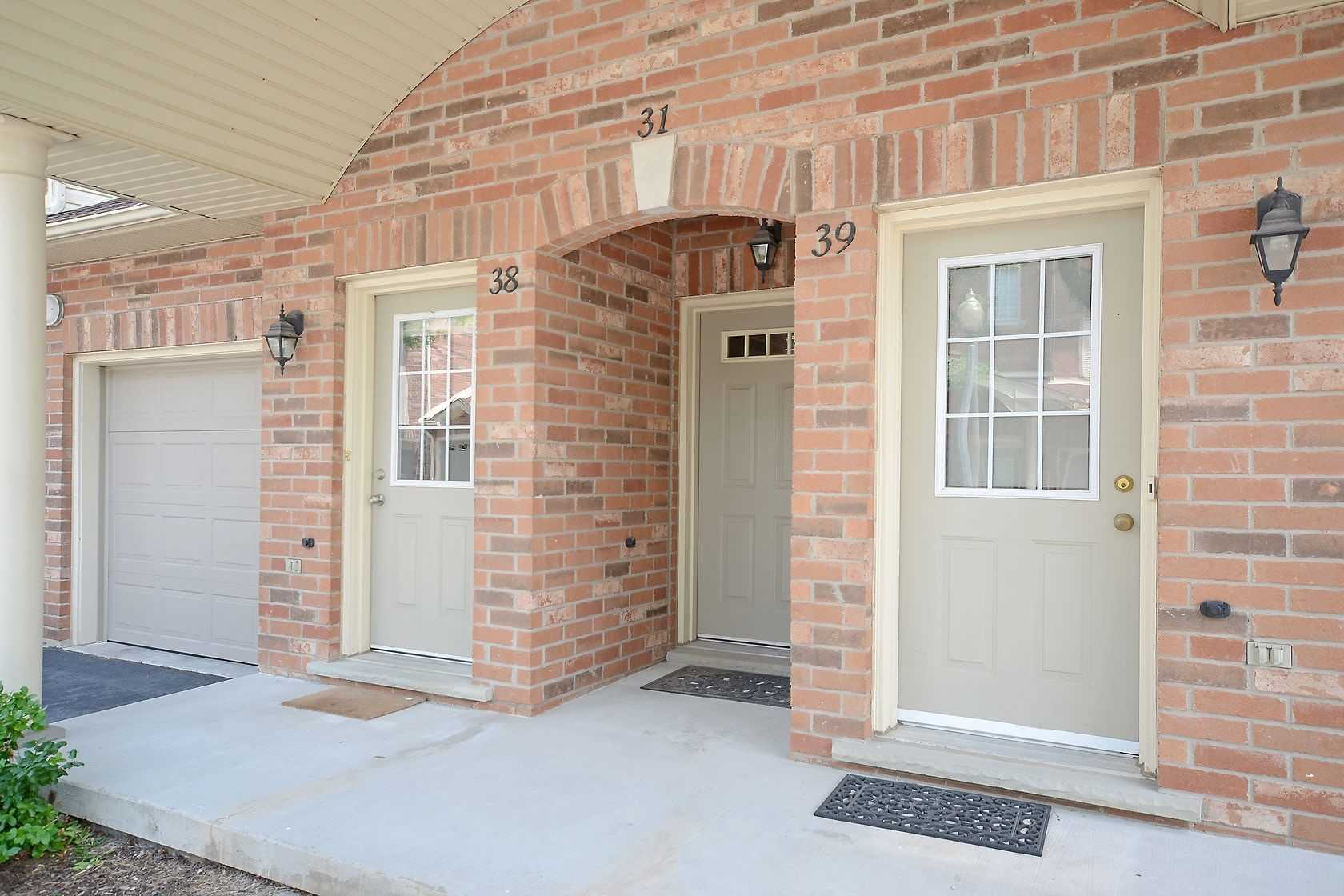 4045 Upper Middle Rd, Burlington, L7M4S8, 2 Bedrooms Bedrooms, ,2 BathroomsBathrooms,Condo Townhouse,For Sale,Upper Middle,W4817684