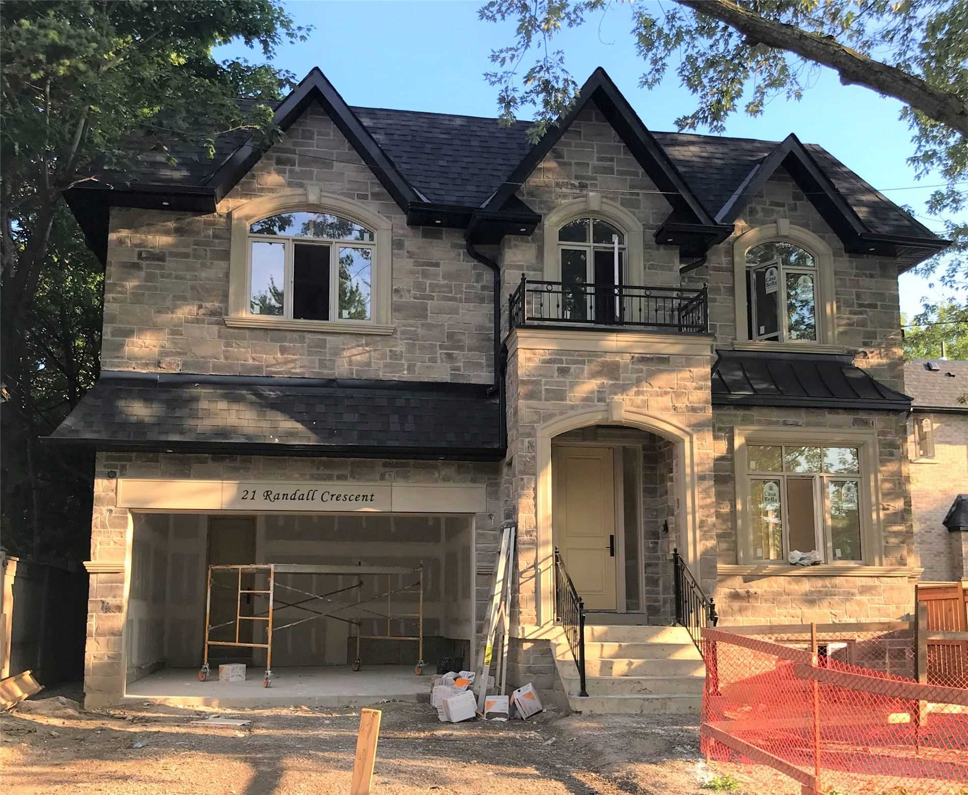 21 Randall Cres, Toronto, Ontario M1M1N5, 4 Bedrooms Bedrooms, 9 Rooms Rooms,7 BathroomsBathrooms,Detached,For Sale,Randall,E4872472
