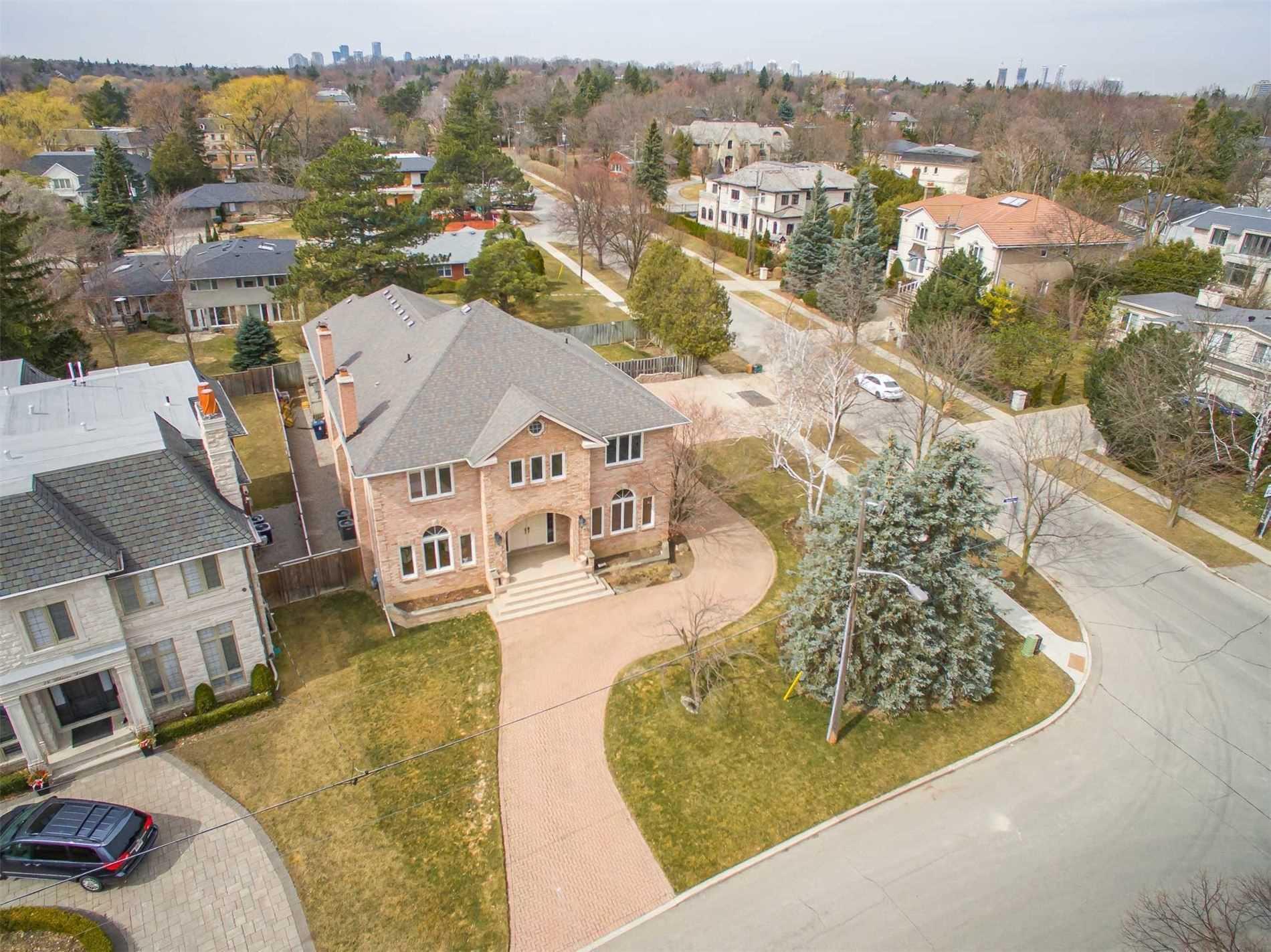 20 Blaine Dr, Toronto, Ontario M3B 2G4, 5 Bedrooms Bedrooms, 11 Rooms Rooms,5 BathroomsBathrooms,Detached,For Sale,Blaine,C5169039