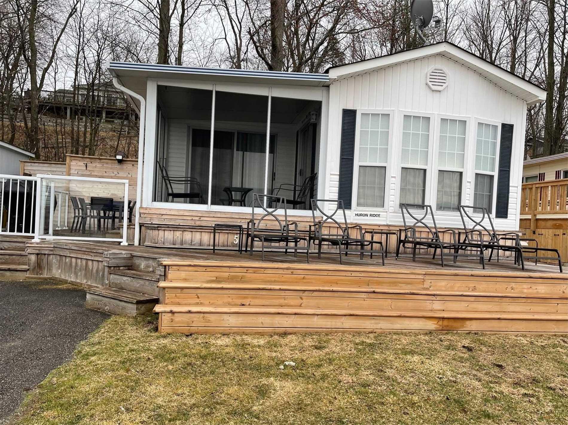 226 Platten Blvd, Scugog, Ontario L9L1B4, 2 Bedrooms Bedrooms, ,1 BathroomBathrooms,Mobile/trailer,For Sale,Platten,E5181320