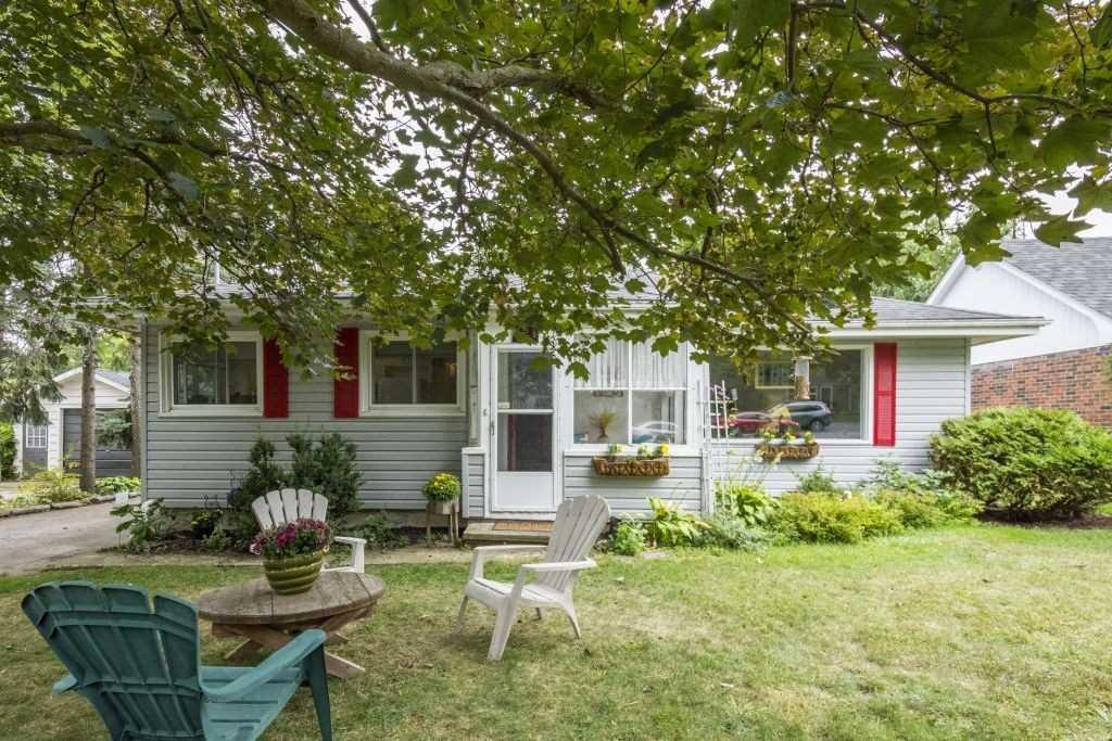 421 Main St, Prince Edward County, Ontario K0K 1G0, 2 Bedrooms Bedrooms, ,2 BathroomsBathrooms,Detached,For Sale,Main,X5160108