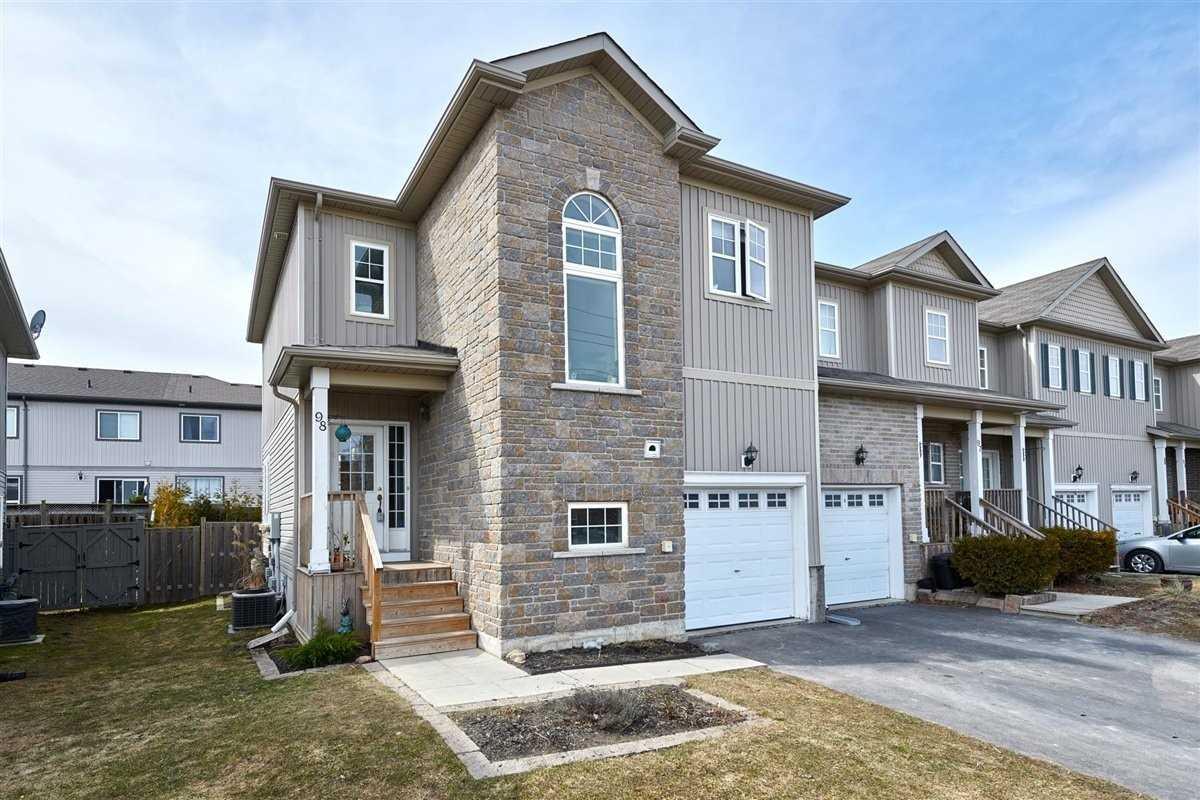 800 Westridge Blvd, Orillia, Ontario L3V 0A1, 3 Bedrooms Bedrooms, ,3 BathroomsBathrooms,Att/row/twnhouse,For Sale,Westridge,S5165689