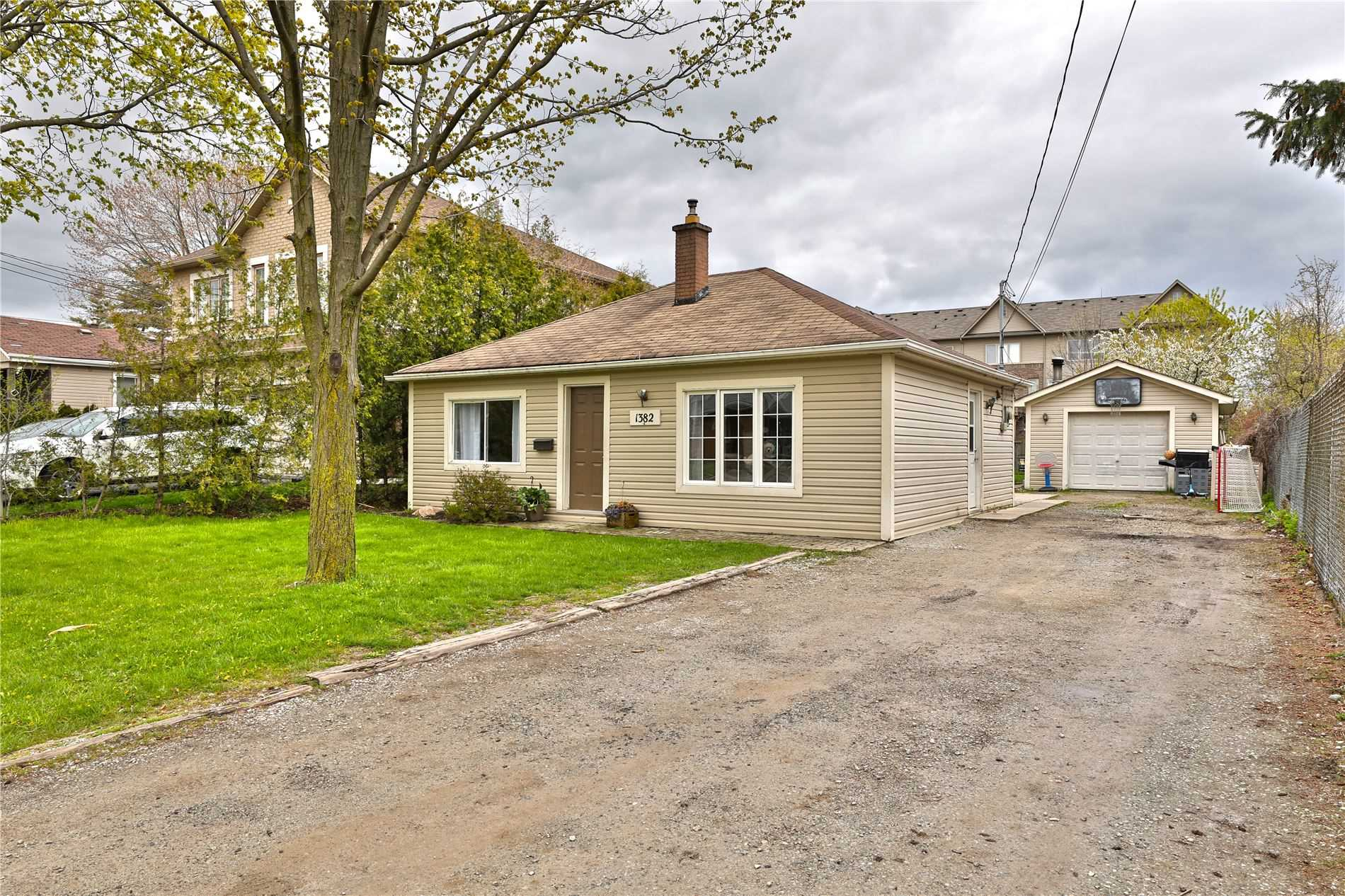 1382 Leighland Rd, Burlington, L7R3S8, 4 Bedrooms Bedrooms, ,1 BathroomBathrooms,Detached,For Sale,Leighland,W4825365