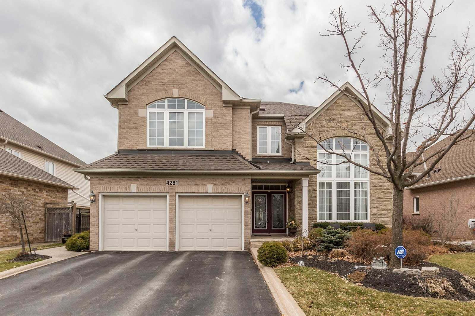 4281 Couples Cres, Burlington, L7M4Y8, 4 Bedrooms Bedrooms, ,5 BathroomsBathrooms,Detached,For Sale,Couples,W4767466