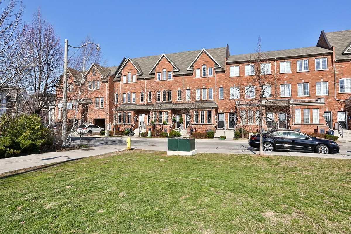 33 Brockville St, Toronto, Ontario M4E0A7, 2 Bedrooms Bedrooms, ,2 BathroomsBathrooms,Condo Townhouse,For Sale,Brockville,E5186671
