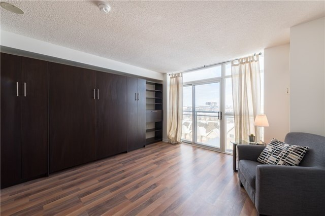 650 Lawrence Ave, Toronto, Ontario M6A3E8, ,1 BathroomBathrooms,Condo Apt,For Sale,Lawrence,C4974502