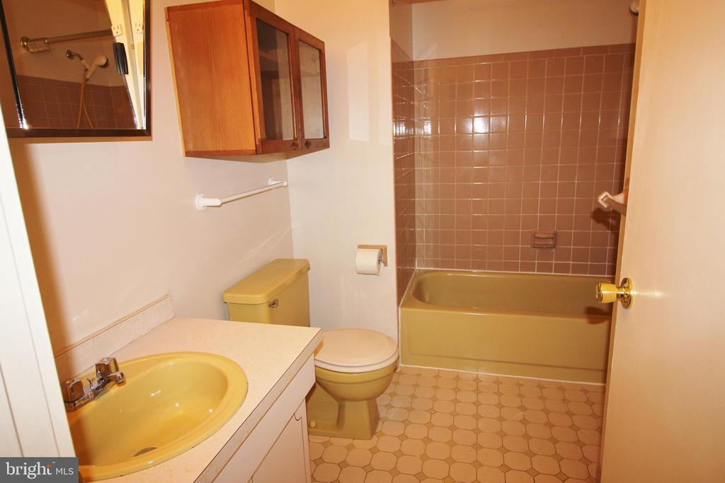 143 THOMAS DRIVE, TELFORD, PA 18969, 3 Bedrooms Bedrooms, ,1 BathroomBathrooms,Residential Lease,For Rent,THOMAS,PAMC604272