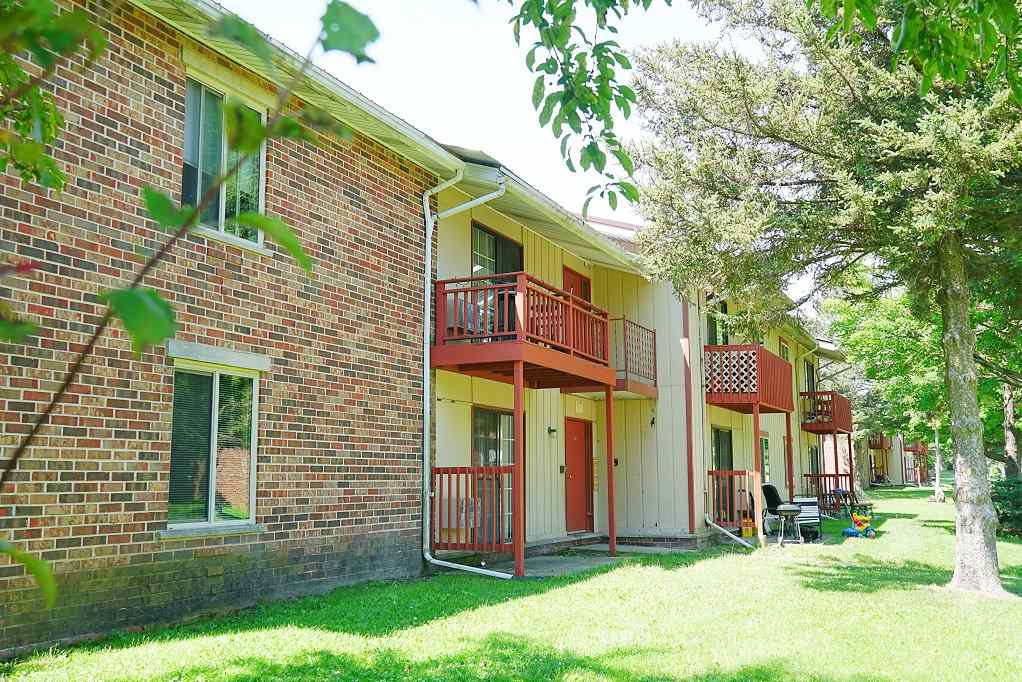 1901-1915 Greenway Cross, Fitchburg, Wisconsin 53713, ,Multi Family,For Sale,Greenway Cross,1893517