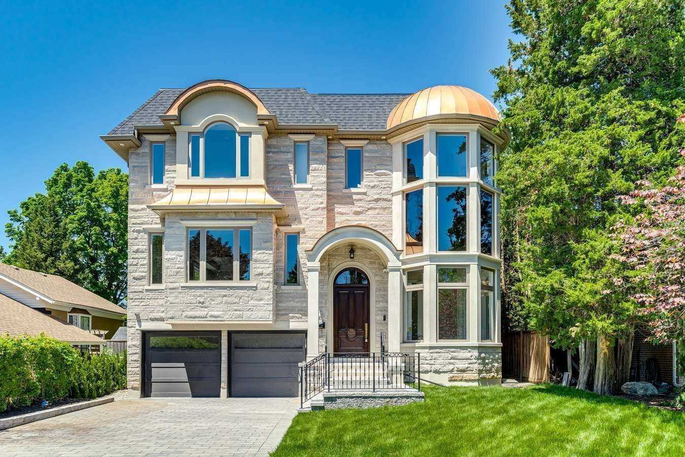 19 Ashgrove Pl, Toronto, Ontario M3B2Y9, 5 Bedrooms Bedrooms, 11 Rooms Rooms,7 BathroomsBathrooms,Detached,For Sale,Ashgrove,C5160732