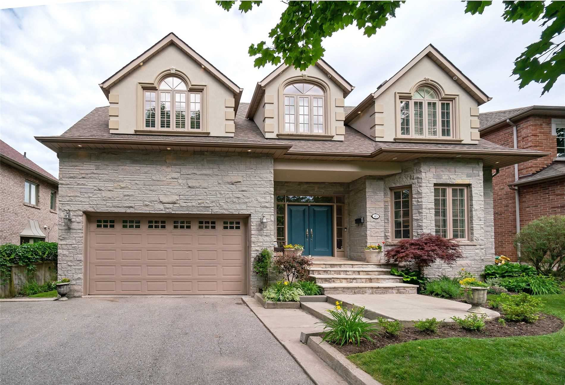 40 Herne Hill, Toronto, Ontario M9A 2X1, 4 Bedrooms Bedrooms, 10 Rooms Rooms,5 BathroomsBathrooms,Detached,For Sale,Herne Hill,W4840873