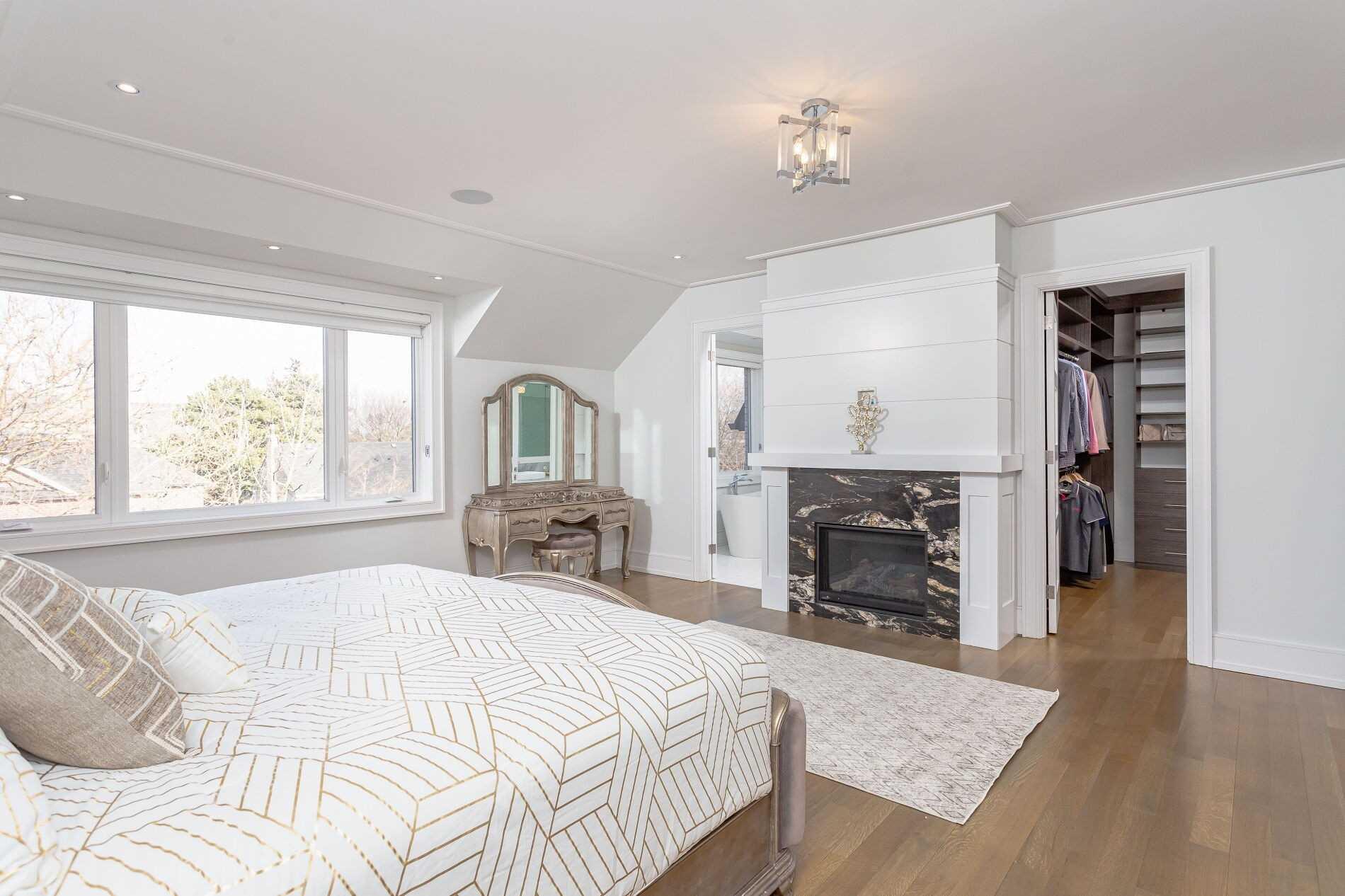 73 De Vere Gdns, Toronto, Ontario M5M 3E8, 4 Bedrooms Bedrooms, 10 Rooms Rooms,6 BathroomsBathrooms,Detached,For Sale,De Vere,C5152297