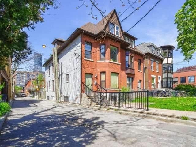 120 Pembroke St, Toronto, Ontario M5A2N8, 2 Bedrooms Bedrooms, ,1 BathroomBathrooms,Semi-detached,For Lease,Pembroke,C5101374