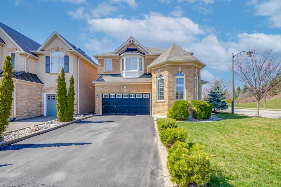 901 Mctrach Cres, Milton, Ontario L9T1M5, 4 Bedrooms Bedrooms, ,3 BathroomsBathrooms,Detached,For Sale,Mctrach,W5185589