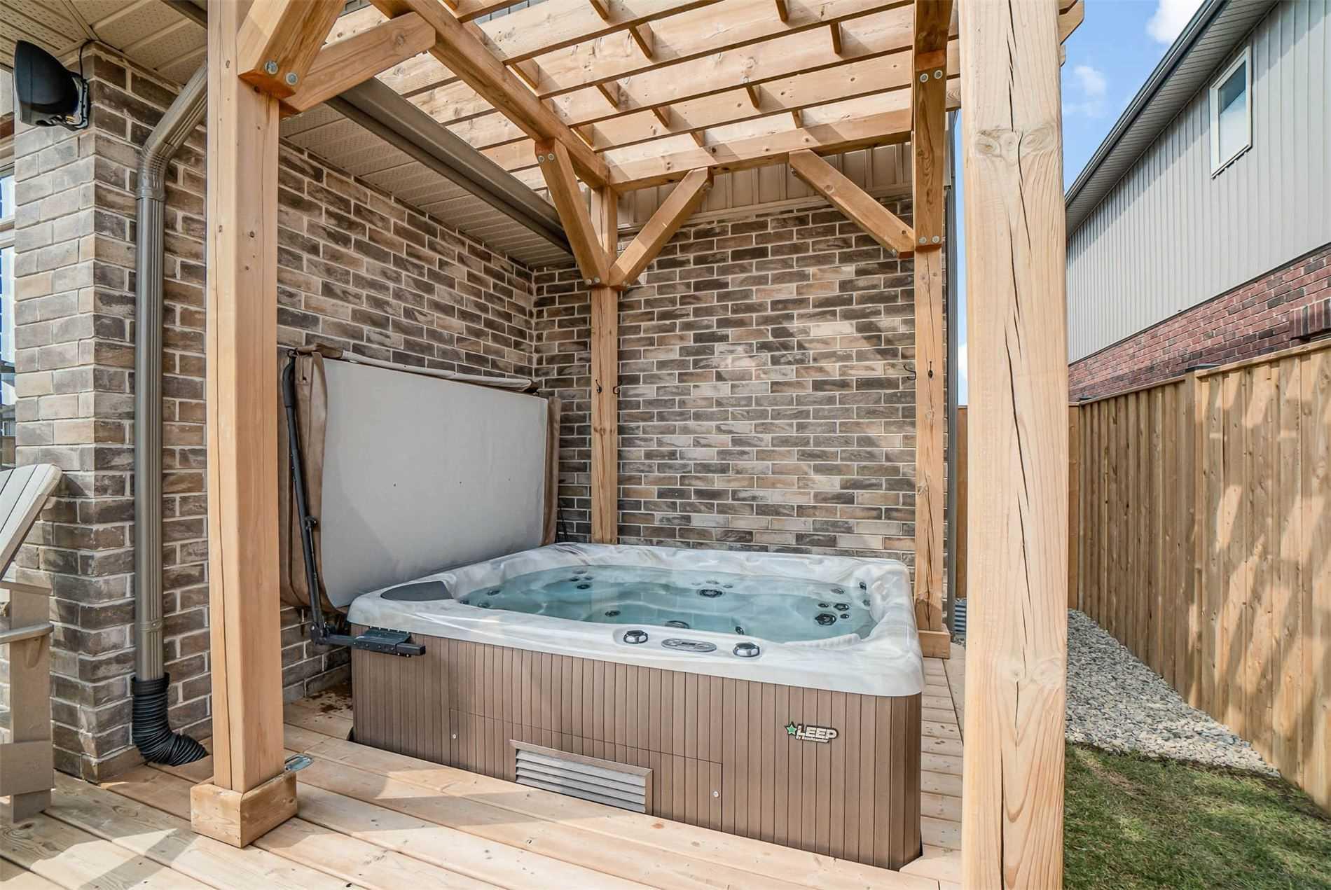 39 Orr St, Stratford, Ontario N5A 0H7, 4 Bedrooms Bedrooms, ,3 BathroomsBathrooms,Detached,For Sale,Orr,X5167853