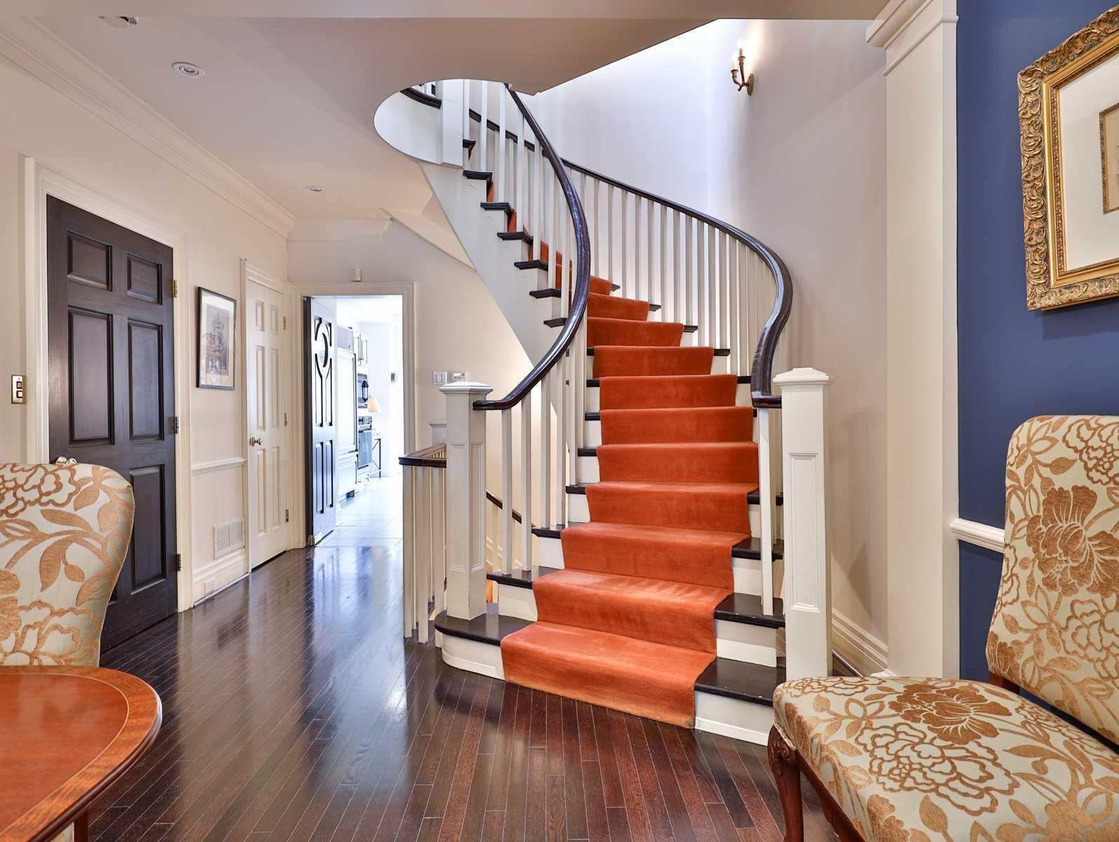 236 Walmer Rd, Toronto, Ontario M5R3R7, 3 Bedrooms Bedrooms, 8 Rooms Rooms,5 BathroomsBathrooms,Att/Row/Twnhouse,For Sale,Walmer,C4944652