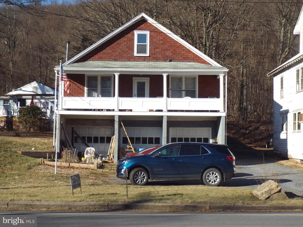 672 FOUNTAIN STREET, ASHLAND, PA 17921, 2 Bedrooms Bedrooms, ,1 BathroomBathrooms,Residential,For Sale,FOUNTAIN,PASK129570