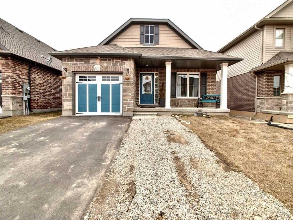 1212 Caen Ave, Woodstock, Ontario N4T0J4, 2 Bedrooms Bedrooms, ,2 BathroomsBathrooms,Detached,For Sale,Caen,X5155199