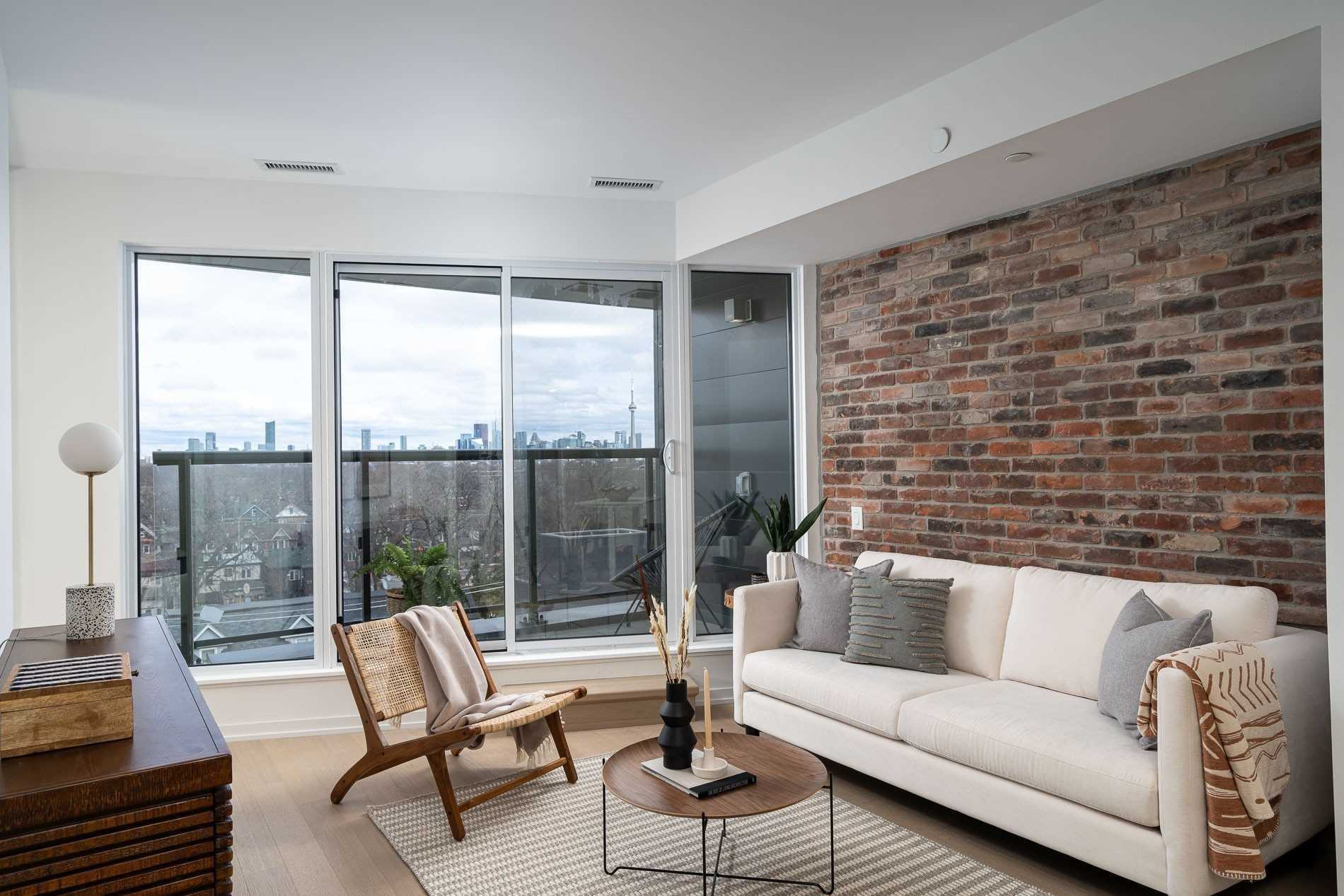 138 St Helen's Ave, Toronto, Ontario M6H4A1, 2 Bedrooms Bedrooms, 4 Rooms Rooms,1 BathroomBathrooms,Condo Apt,For Sale,St Helen's,C4747886