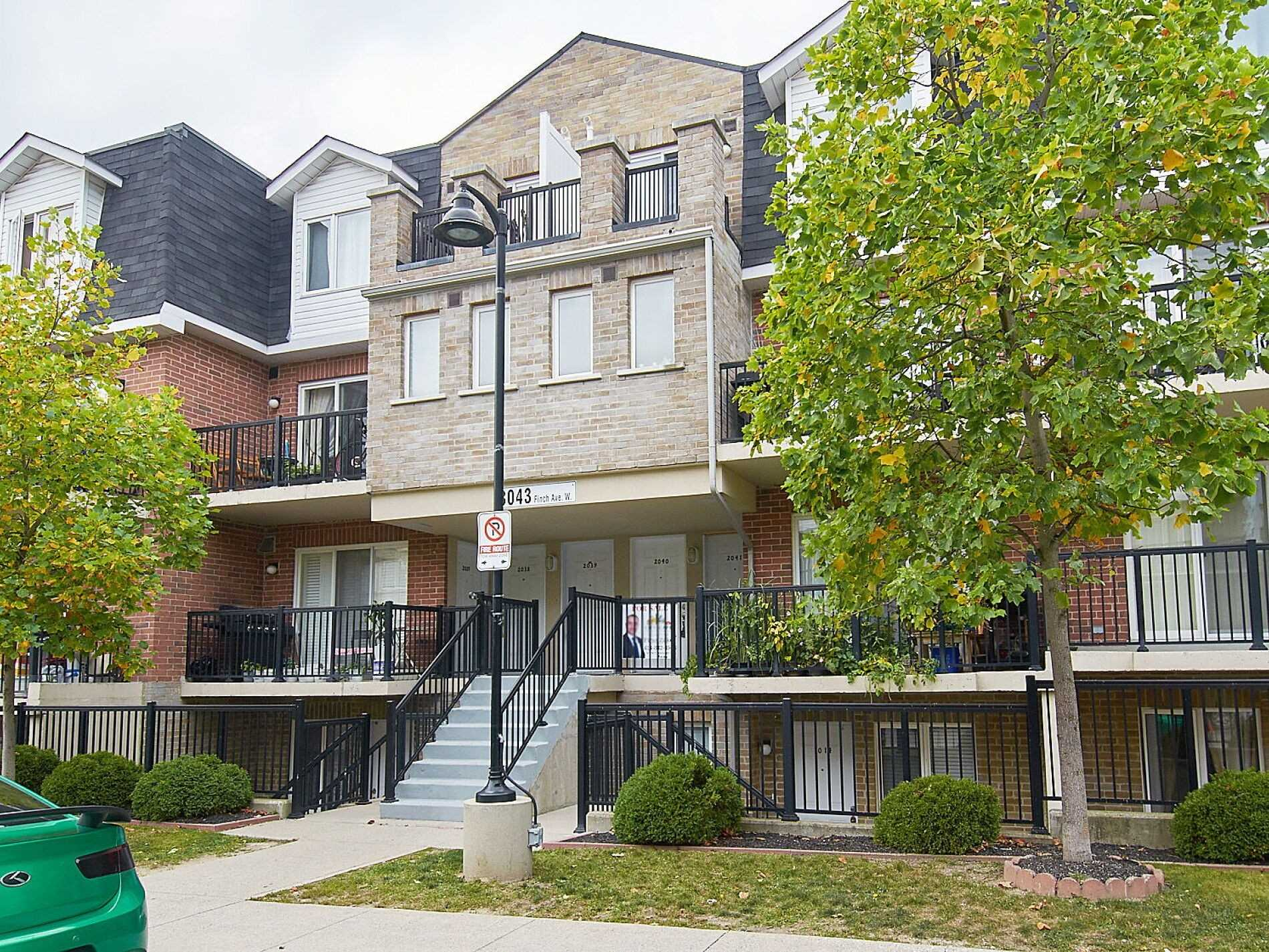 3043 Finch Ave, Toronto, Ontario M9M0A4, 1 Bedroom Bedrooms, 3 Rooms Rooms,1 BathroomBathrooms,Condo Townhouse,For Sale,Finch,W4927355