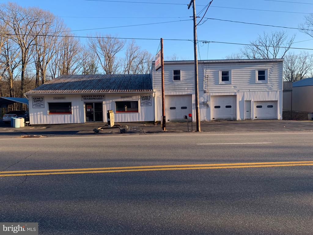 635 FOUNTAIN STREET, ASHLAND, PA 17921, ,Commercial Sale,For Sale,FOUNTAIN,PASK130220