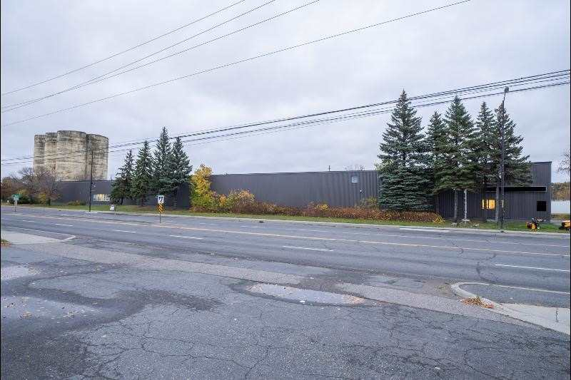 560 Notre Dame Ave, Greater Sudbury, Ontario P3B 2K8, ,Industrial,For Sale,Notre Dame,X4746591