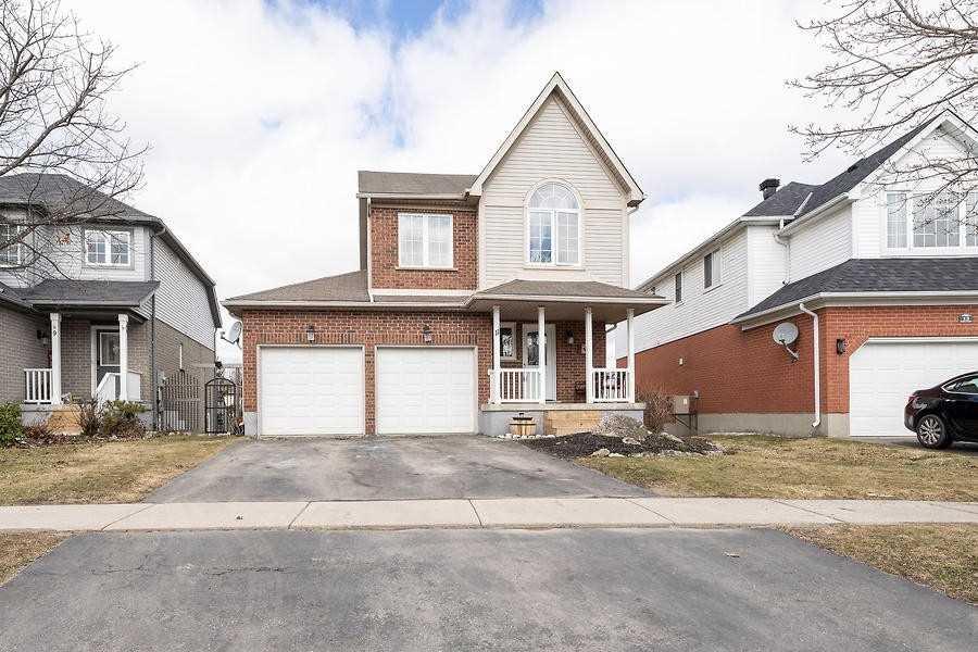 11 Saxon St, Orangeville, Ontario L9W5A4, 3 Bedrooms Bedrooms, ,3 BathroomsBathrooms,Detached,For Sale,Saxon,W5272306