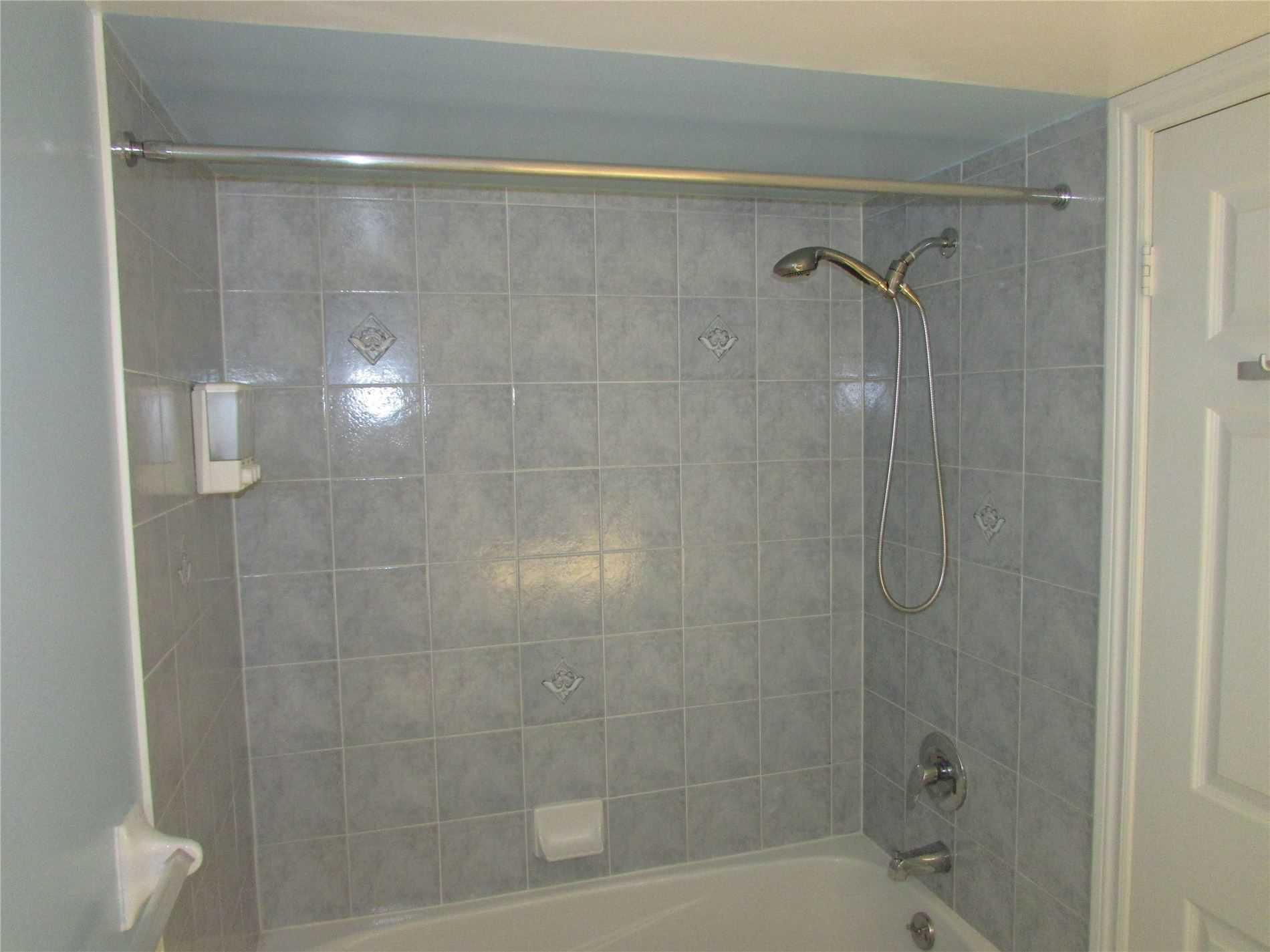 61 Town Centre Crt, Toronto, Ontario M1P5C5, 2 Bedrooms Bedrooms, 5 Rooms Rooms,2 BathroomsBathrooms,For Sale,Town Centre,E4993782